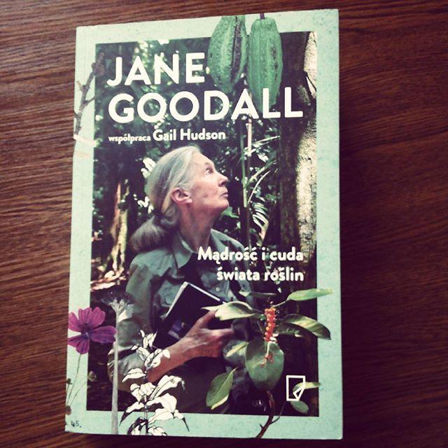 I wpuścić mnie na chwilę do księgarni... 5 minut i widzę tylko tę jedną... :D #book #książka #janegoodall #rośliny #plants #goodread #dobraksiazka #nature #natura #science #nauka #bookshopping
