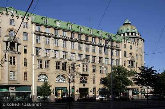 1887 Ylioppilaskunta osti nyk.Vanhan ylioppilastalon viereisen tontin kirjastoaan varten. (Armas Lindgren ja Wivi Lönn, n. 1910)