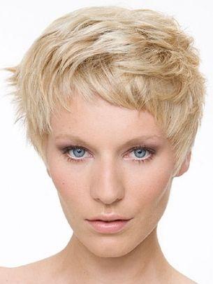 short haircut ~ Cute styling @SunshineBarkhurst