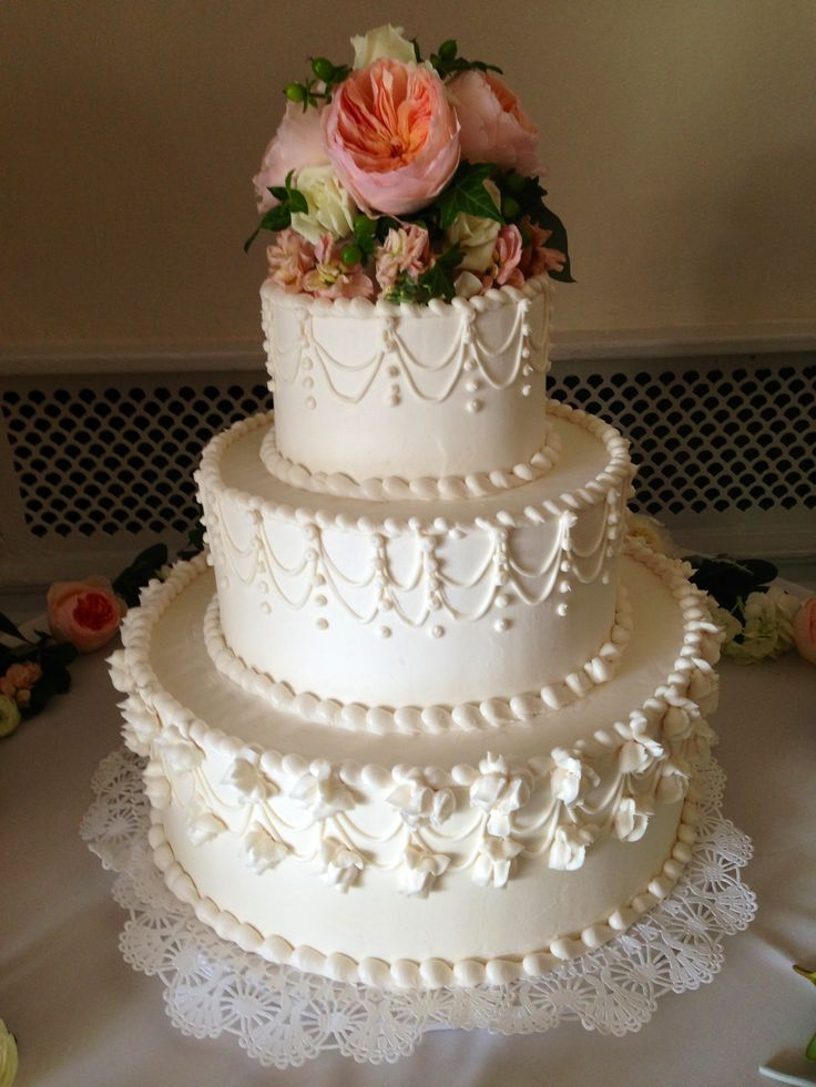 anniversary wedding cake tradition best 25 traditional wedding cakes ideas only on 10788