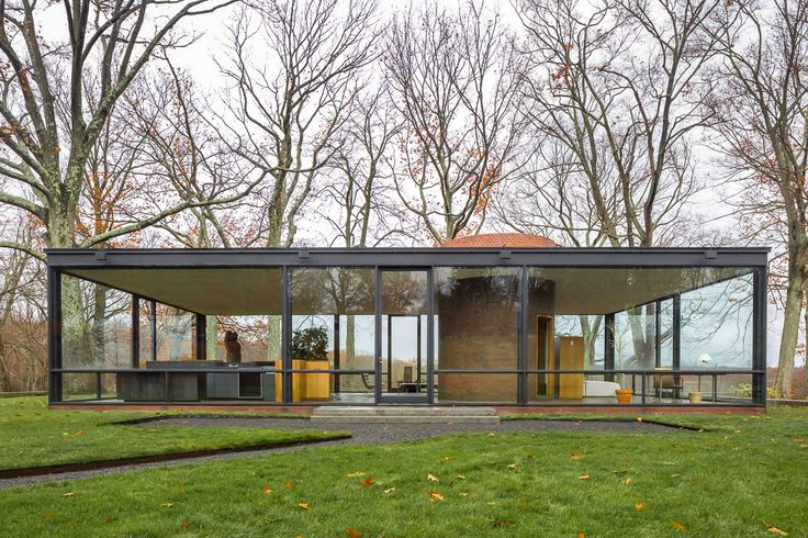 The Glass House is best understood as a pavilion for viewing the surrounding landscape. Invisible from the road, the house sits on a promontory overlooking a pond with views towards the woods beyond. The house is 55 feet long and 33 feet wide, with 1,815