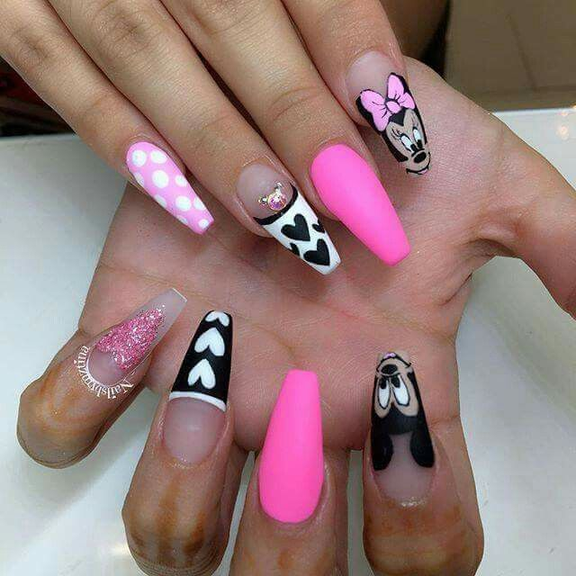 Pin By Stephanie Edson On Dotted Nail Designs Mickey Nails Disney Acrylic Nails Minnie Mouse