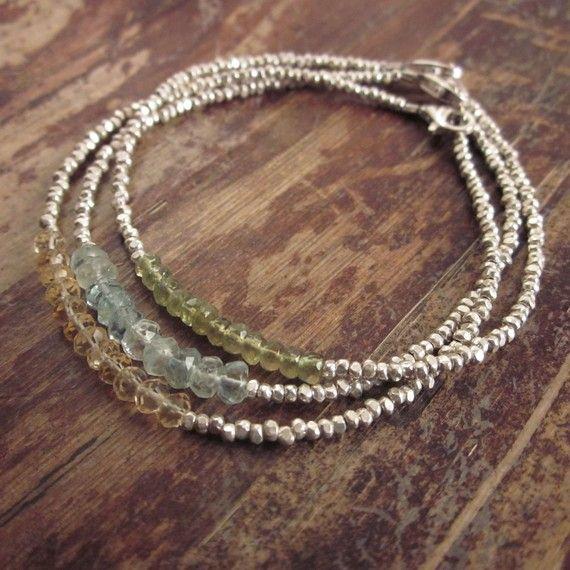 Etsy の Garnet Bracelet Garnet Bracelets January by TwoFeathersNY