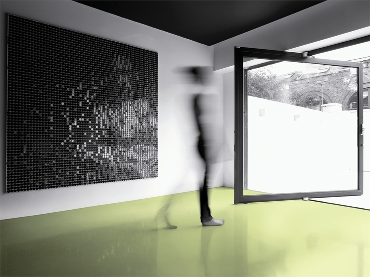 MAXIMUM, il grande formato 300x150 cm, in gres porcellanato della Graniti Fiandre, realizzato grazie alle più innovative tecnologie. Frutto di un sistema produttivo e di una tecnologia all'avanguardia, MAXIMUM nasce come risposta alle istanze del mondo dell'architettura, settore in cui l'espressione dei designer ha bisogno di un'ampia gamma di formati nel rispetto dell'ambiente.