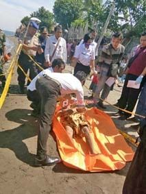 Kakek Sarudin Tewas Terlilit Tali Jangkar - http://denpostnews.com/2017/02/22/kakek-sarudin-tewas-terlilit-tali-jangkar/