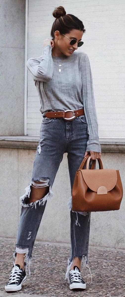 outfit of the dat_grey basic top + brown bag + rips + converse