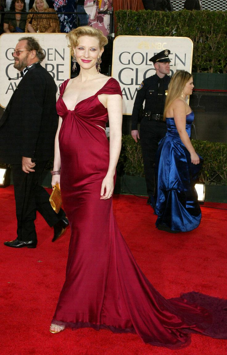 Heavily pregnant celebrity outfits