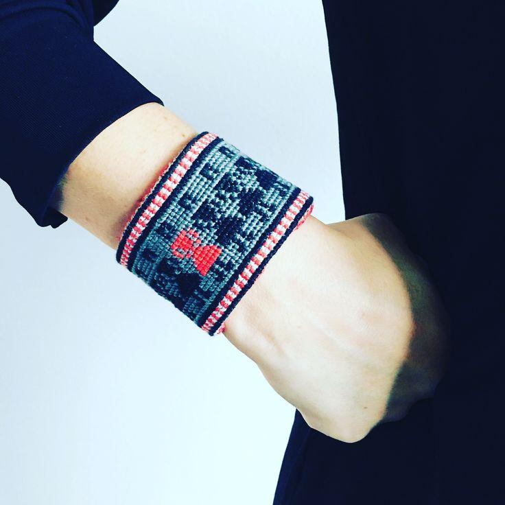 My new crosstitch bracelet is a self portrait  #vaxbolindiy #vaxbolin #embroidery #crosstitch