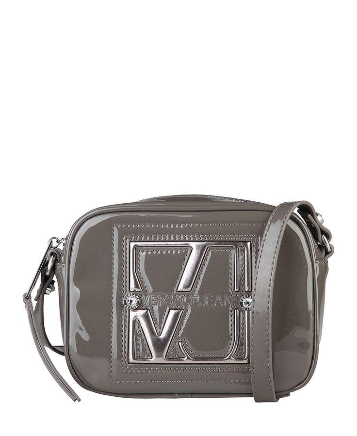 Versace jeans - borsa a tracolla realizzata in eco-vernice, un manico e logo applicato. - interno foderato in tessuto. - - Borsa a tracolla donna Grigio
