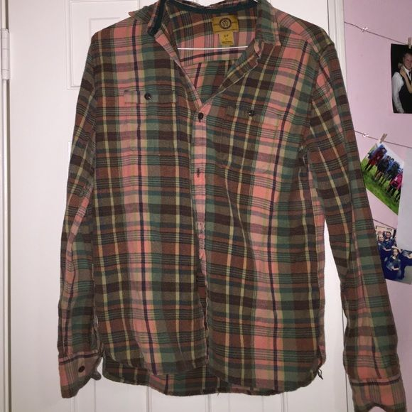 Urban outfitters flannel Lightly worn vintage flannel from urban outfitters Urban Outfitters Tops Button Down Shirts
