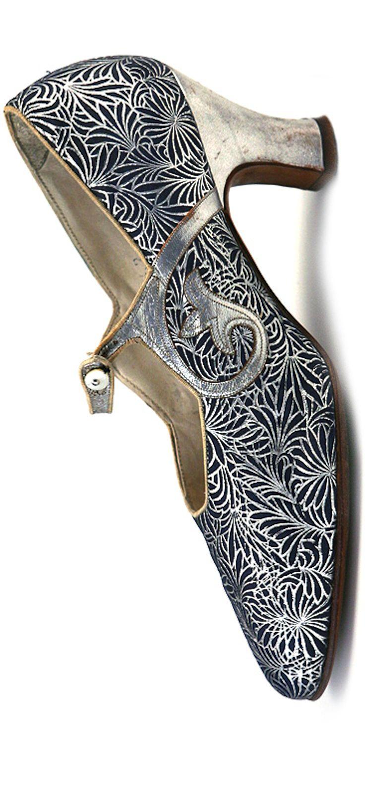 Vintage shoes - La Parisienne - Art Deco Pair of Blue & Silver Metallic Leather Shoes - 1920s - U.S.A.