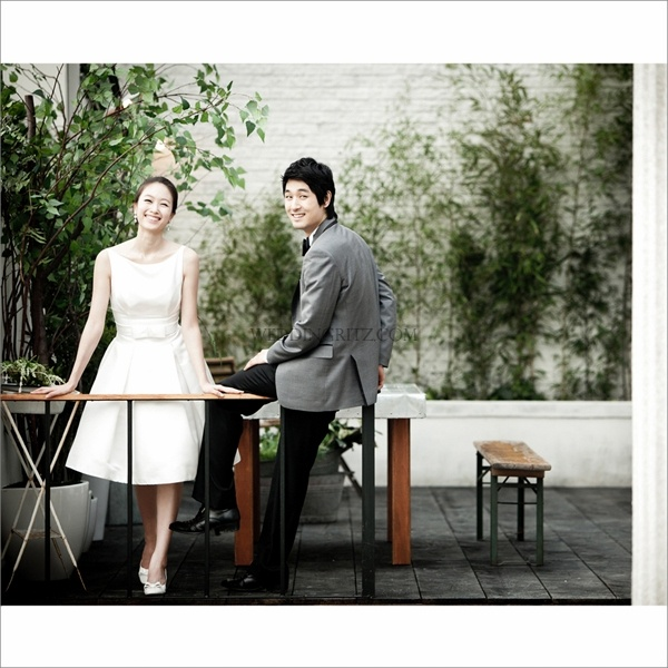 Korea Pre-Wedding Photoshoot - WeddingRitz.com » Bon Voyage (Studio of Mirror in HaNam) korea pre-wedding photoshoot studio