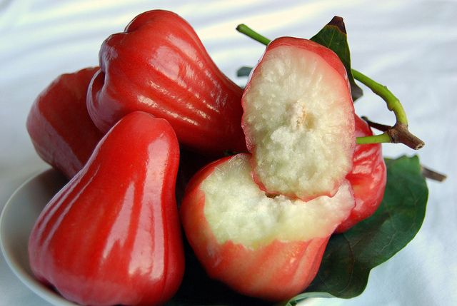 Health Benefits Of The Rose Apple Fruit
