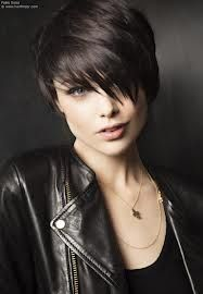 haircut with highlights 1000 ideas about edgy pixie cuts on edgy 2850