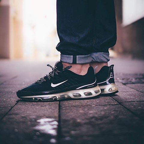 #SADP : @nikesportswear Air Max 360 by @heartxandxsole Use the hashtags #SADP and #SneakersAddict for a feature! #💊👟#am360 #sneakerheads #nicekicks #followback #sneakernews #fresh