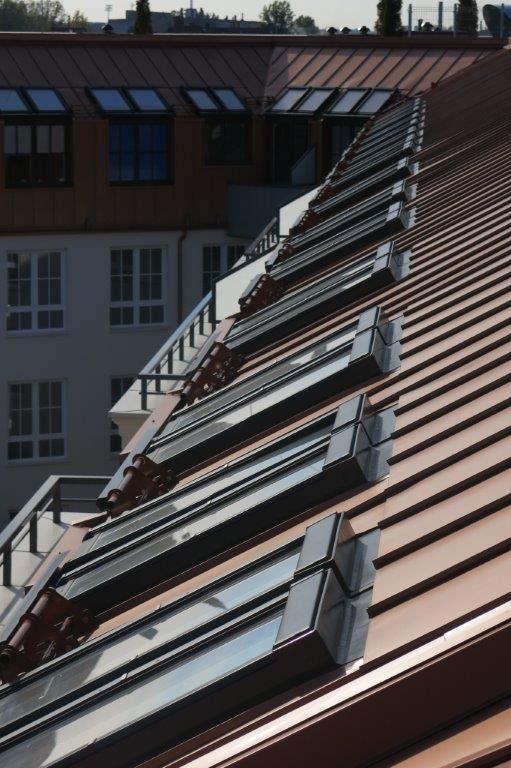 """Nasze okna dumnie uzupełniają wspaniałą bryłę """"Rezydencji Warszawskiej""""- zrealizowanego na najwyższym poziomie nowoczesnego kompleksu"""