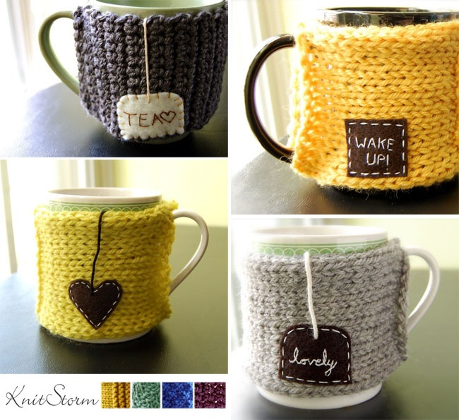 cute koozies. love these! i need to learn how to knit!
