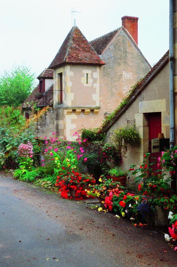 La Maison du Apremont, Loire Valley.  Photograph John Galbo.: