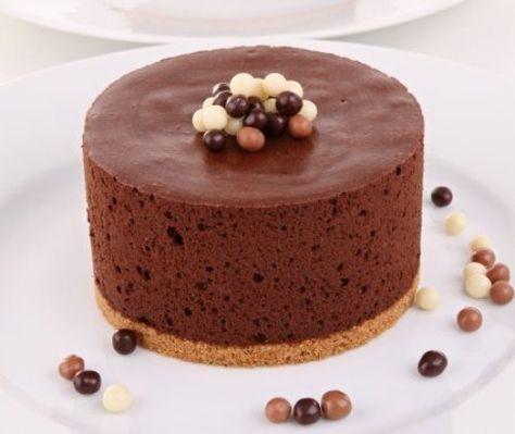 Tarta de Mousse de Chocolate Te enseñamos a cocinar recetas fáciles cómo la receta de Tarta de Mousse de Chocolate y muchas otras recetas de cocin