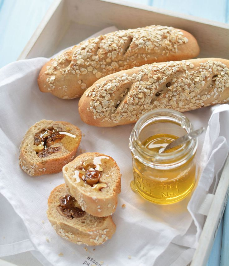 baguettes filled with figs and walnuts - by édesem