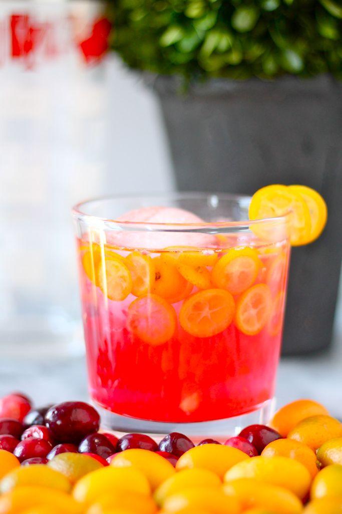 Kumquat cranberry margaritas... mmmm margaritasssssss!