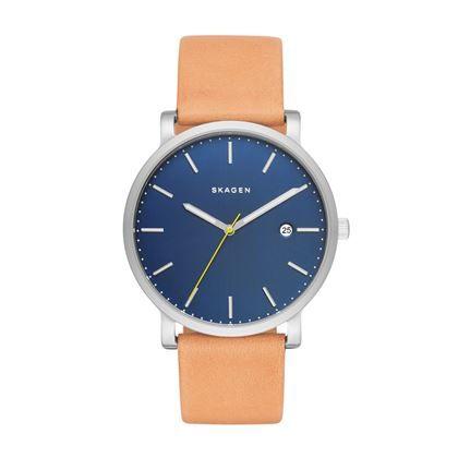 Dit klassieke, minimalistische horloge van Skagen heeft een sterke RVS kast en een soepele polsband. Het horloge heeft een aparte dial voor het aflezen van de seconden: stijlvol, elegant en net even anders!