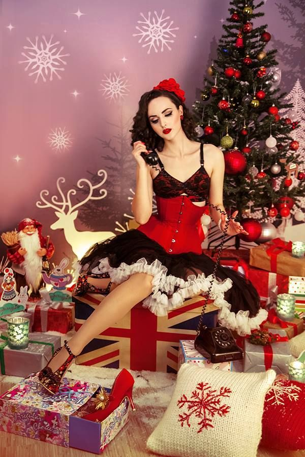 25 best pin up christmas images on pinterest xmas merry. Black Bedroom Furniture Sets. Home Design Ideas