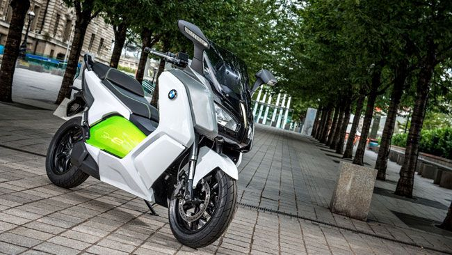 BMW développe un scooter 100% électrique. BMW Motorrad C evolution.