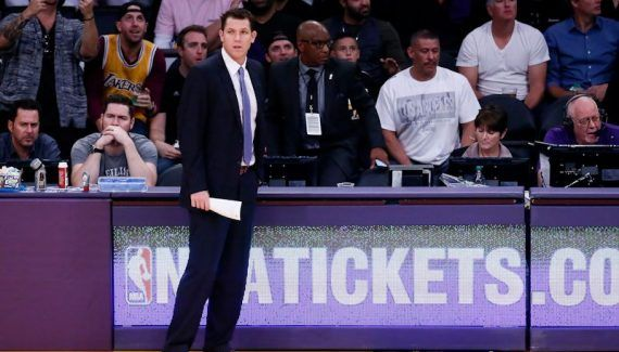Luke Walton fier de la réaction de ses Lakers -  Malgré un calendrier compliqué, les Lakers débutent bien leur saison. Sur le plan comptable, le bilan est certes loin d'être parfait avec 3 défaites en 5 rencontres mais il faut… Lire la suite»  http://www.basketusa.com/wp-content/uploads/2016/11/161026_lakers_v_rockets_052-570x325.jpg - Par http://www.78682homes.com/luke-walton-fier-de-la-reaction-de-ses-lakers homms20