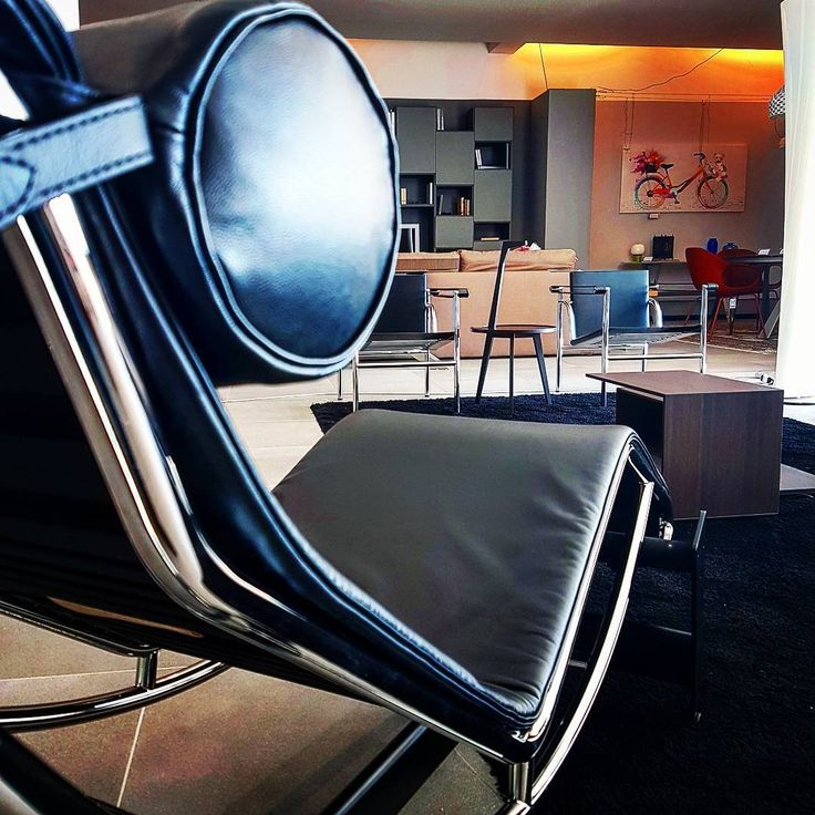 #cassina prospective: everything looks better from an #lc4 #chaiselongue