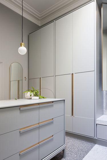 dressing room | walk-in wardrobe | joinery | By Hecker Guthrie