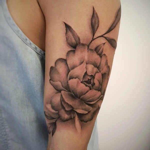 Tatuaz Piwonie Znaczenie Historia 40 Zdjec Tattoos Flower Tattoo Flowers