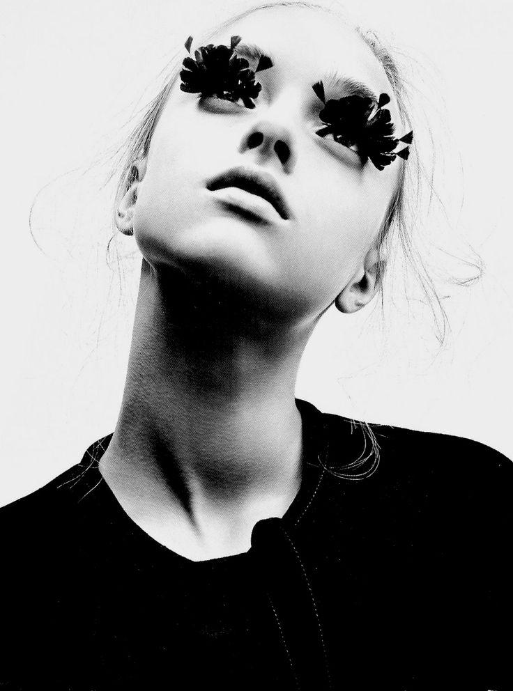 Blonde, updo, false eyelashes, feather lashes, nude lips, black and white, B, mod, sixties, 1960s, 60s style