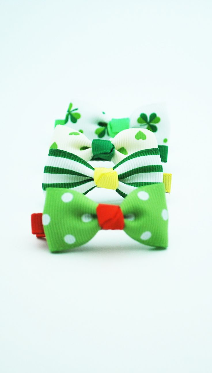 Par de Pinches Pinzas Verdes BELLOS PINCHES!  http://www.tuttematute.cl/par-de-pinches-pinzas-verdes
