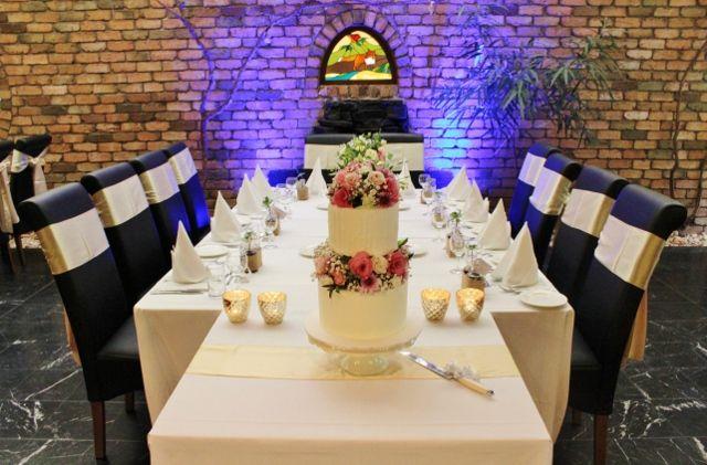 #Weddings in the #SnootyFox Restaurant at the #AdelaideInn. #NorthAdelaide #AdelaideWeddings #SouthAustralia