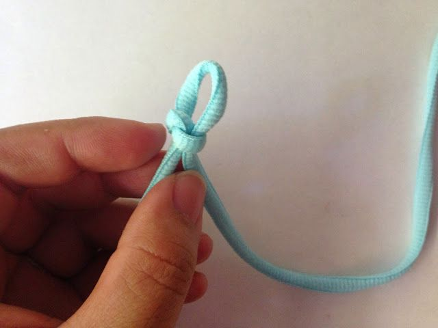 Crafty Runner Mom: DIY shoelace bracelet tutorial