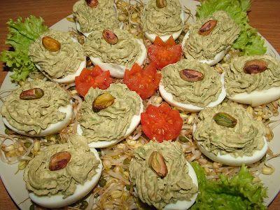 Smak Zdrowia: Jajka faszerowane awokado