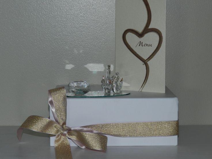 """mariage-sujet verre/miroir: coeur gravé """" l love you"""" et couple de cygnes"""