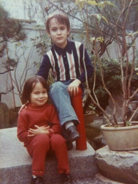 Brandon Lee with his younger sister Shannon. (picture is mostly likely from the early 70s)