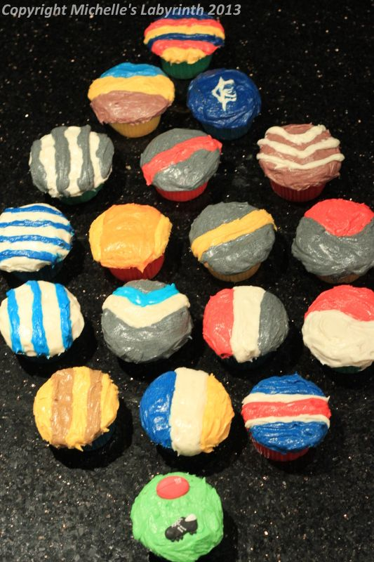 Michelle's Labyrinth AFL Football Cupcakes [March 2011]