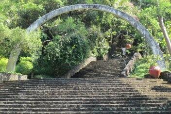 gerbang makam seniman imogiri