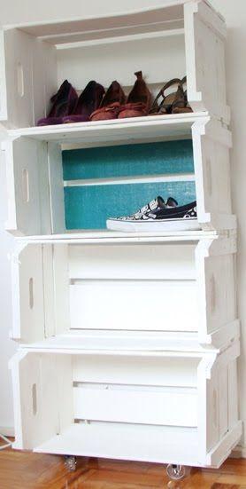 Estos pallets se han convertido en estantes para zapatos! ¿Y si los pintáramos con colores distintos?
