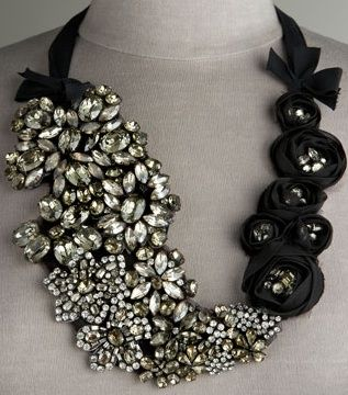 Vera Wang fantasy necklace.Verawang, Vera Wang, Diy Necklaces, Statement Necklaces, Wedding Jewelry, Jewelry Accessories, Black Necklaces, Diy Projects, Bibs Necklaces