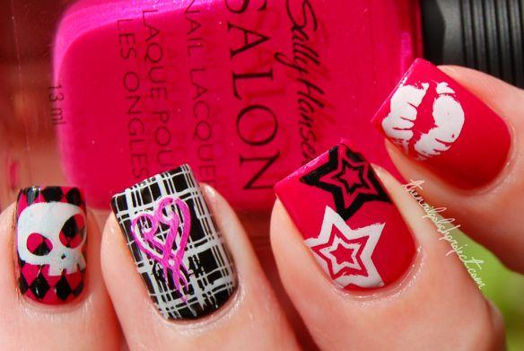Punk Inspired Nails BM16 (diamond pattern), BM211 (skull), Konad M60 (plaid), BM212 (heart), BM05 (star), BM02 (lips)