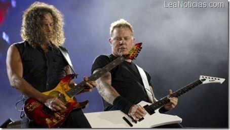 Metallica prepara nuevo disco para el 2013 - http://www.leanoticias.com/2012/12/24/metallica-prepara-nuevo-disco-para-el-2013/