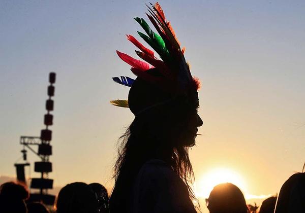 #LET'S GO TO #COACHELLA !!Art Festivals, Festivals Style, Coachella, Festival Style, Festivals Hair, Head Piece, Feathers Crowns, Music Festivals, Hippie Life
