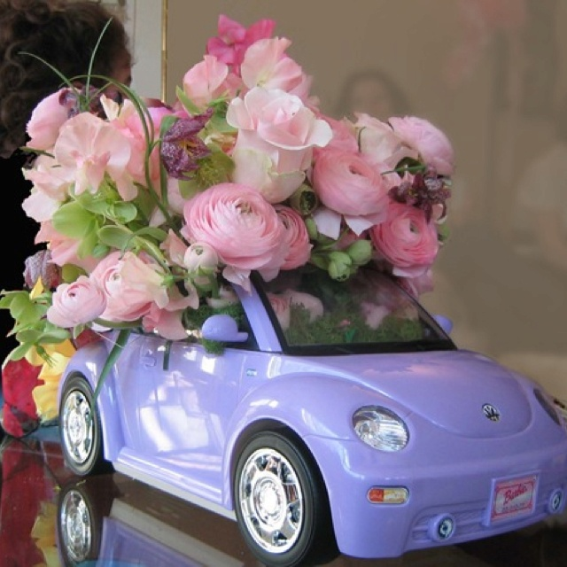 Barbie car decor.  If only I had kept my Barbie cars!  Time for thrifting...? !!