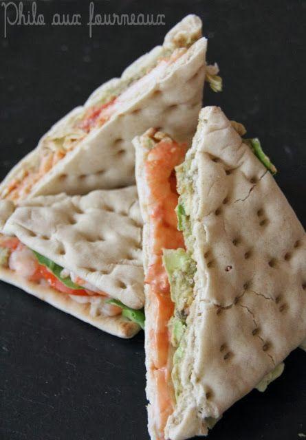 Sandwiches suédois aux crevettes sauce cocktail & avocat