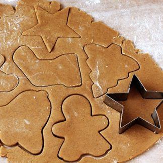 Gingerbread Cookies recipe. Delicious for christmas. Recette de biscuits au pain d'épice délicieuse pour Noël. Lebkuchen-Plätzchen Rezept.