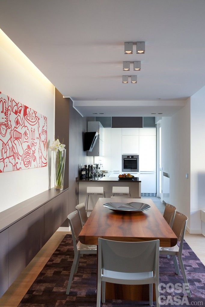Pi di 25 fantastiche idee su illuminazione per tavolo da - Divano di fronte alla porta d ingresso ...